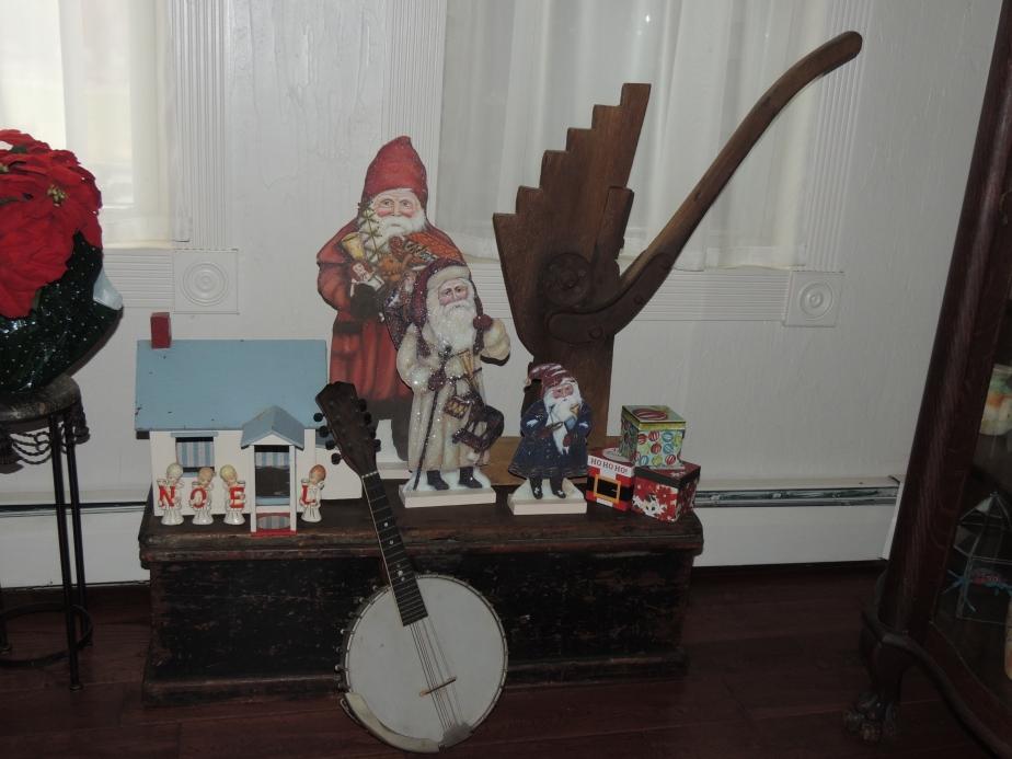 Banjo and Santas at Christmas