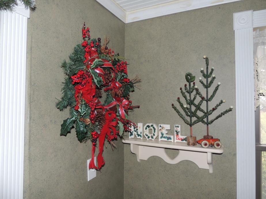White NOEL Christmas wreath